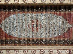 Artesonado en madera de techo de habitación